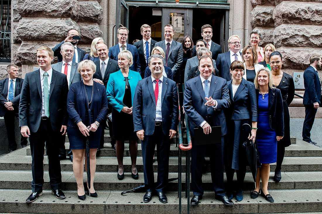 Om en månad ska riksdagen rösta om regeringens budget. Enligt uppgifter till Aftonbladet finns aktuella planer inom SD på att fälla den. –Många tror naivt att det är ett tomt hot, något vi bara vill ge sken av, säger en SD-källa.