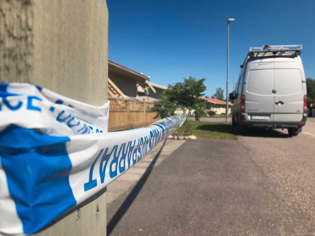 En kvinna misstänks ha mördats i Karlstadstrakten natten till torsdag.