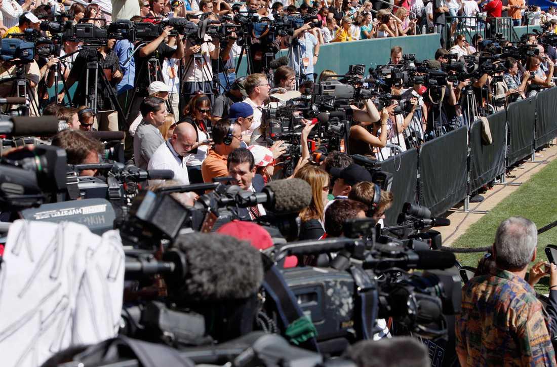 ... och media var på plats för att bevaka presentationen av den nya stjärnan.