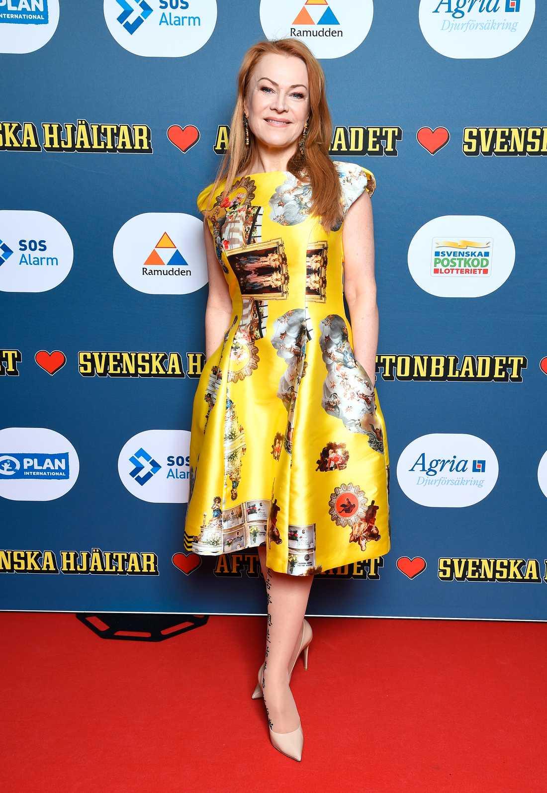 Kirsti Tomita valde en läcker gul klänning som stack ut.