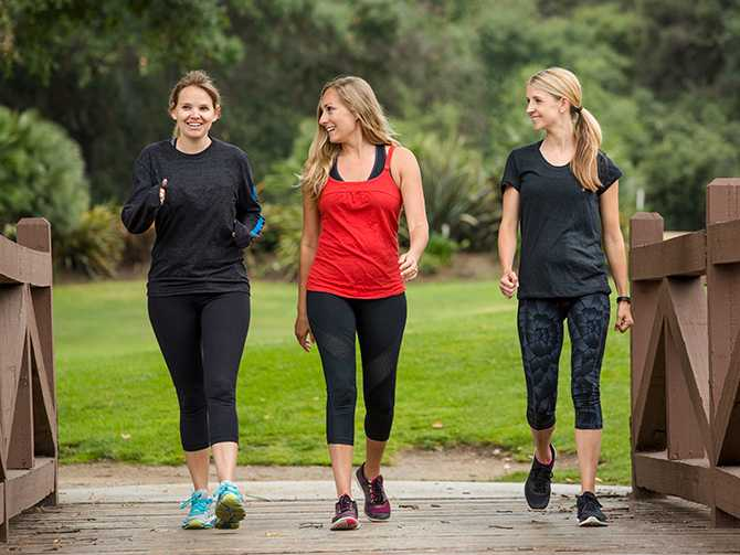 Börja med två-tre promenader i veckan. Därefter kan man öka ju bättre tränad man blir, säger Leila Söderholm.