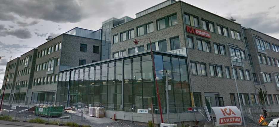 Stadshuset och nya biblioteket i Huskvarna.