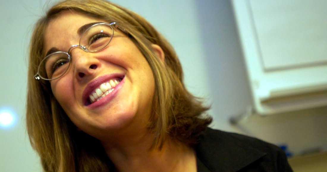 """FÖRGRUNDSGESTALT Naomi Klein under sitt uppmärksammade Sverigebesök 2001. Då var hon en av förgrundsgestalterna för den globala rättviserörelsen som pågick. Och hennes bok """"No Logo"""" var helt central för alla diskussioner som pågick. Nu är debattklimatet ett annat, vilket vi måste inse innan världen återigen börjar stänga sig."""