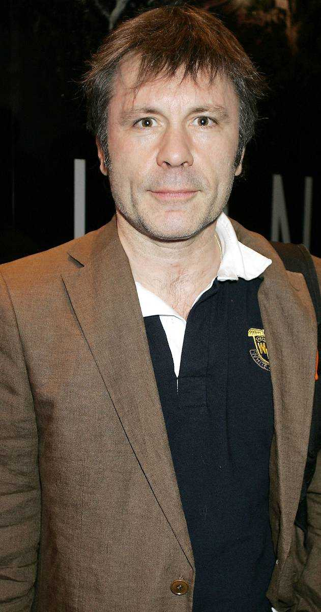 Tumör i tungan  Strax före jul gick Bruce Dickinson till doktorn för en rutinkontroll och det var då som en tumör hittades i hans tunga. Iron Maiden räknar med att han blir friskförklarad i maj.