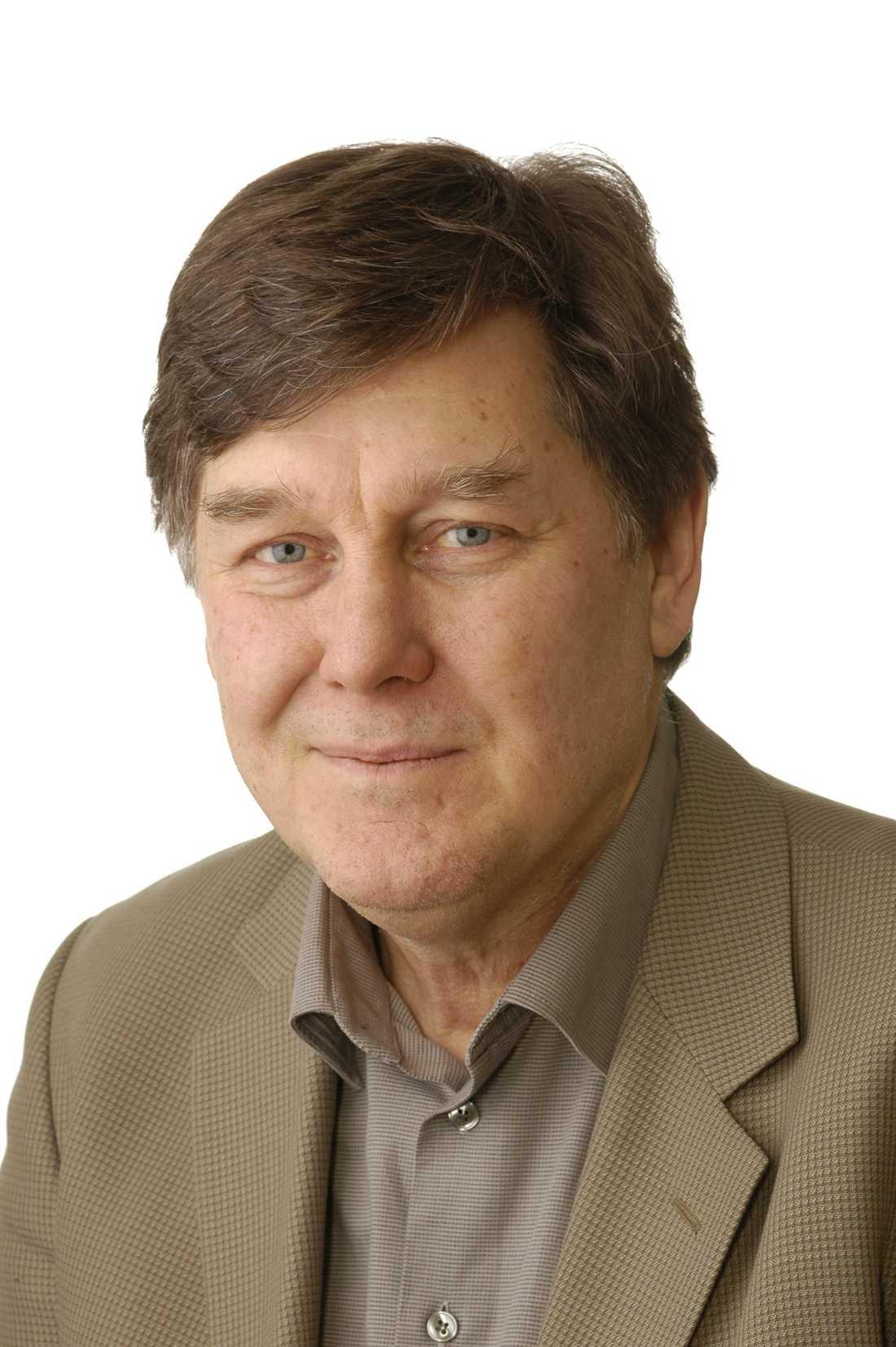 Denny Vågerö, professor i medicinsk sociologi vid Stockholms Universitet  .