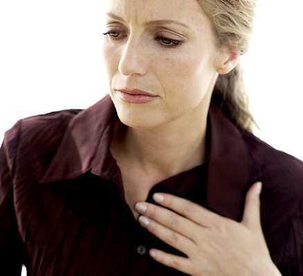 Sur i magen? Uppstötningar är en mycket vanlig sjukdom men det är få som söker vård för sina besvär. Foto: Getty Images