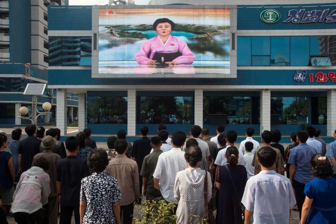Människor i Nordkoreas huvudstad reagerar på nyheten om landets kärnvapenprov.