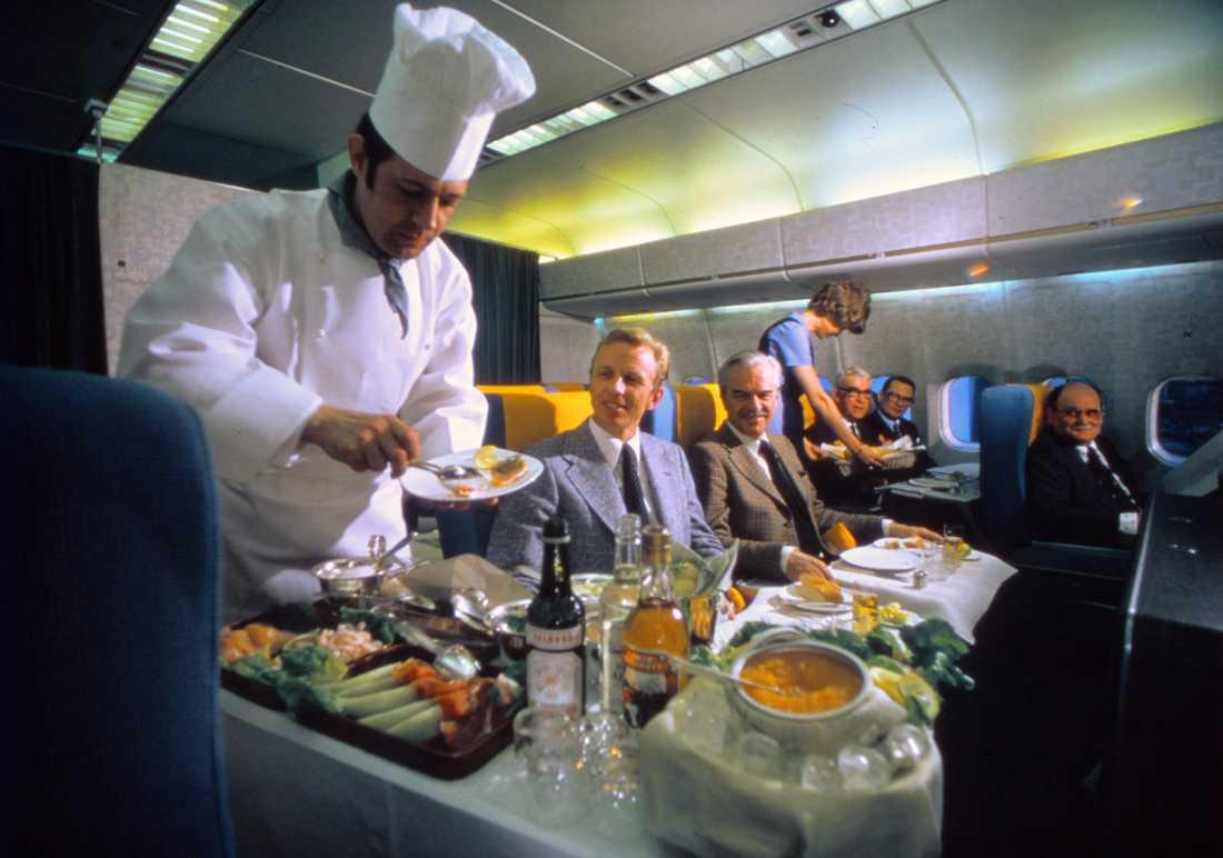 Ofta serverades maten av chefskocken ombord, bild från 1970-talet.