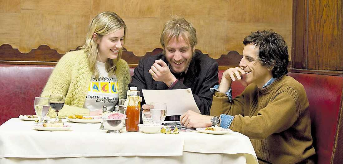 """Greta Gerwig, Rhys Ifans och Ben Stiller i ångestladdade – och humoristiska –""""Greenberg"""". Foto: SANDREWS"""