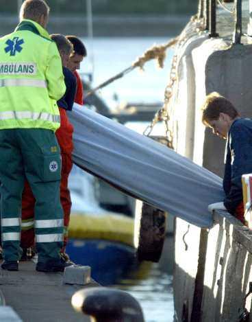 Två litauer hittades döda i lastutrymmet på en båt utanför Karlskrona.