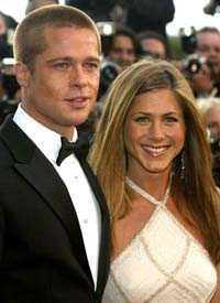 det var då Brad och Jennifer på filmfestivalen i Cannes för exakt ett år sedan. Mycket har hänt sedan dess.