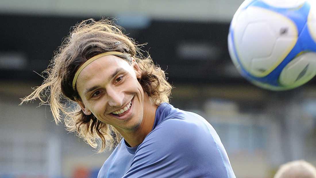 Trollunge För ett tag sedan lät Zlatan håret vara långt och ruffsigt.