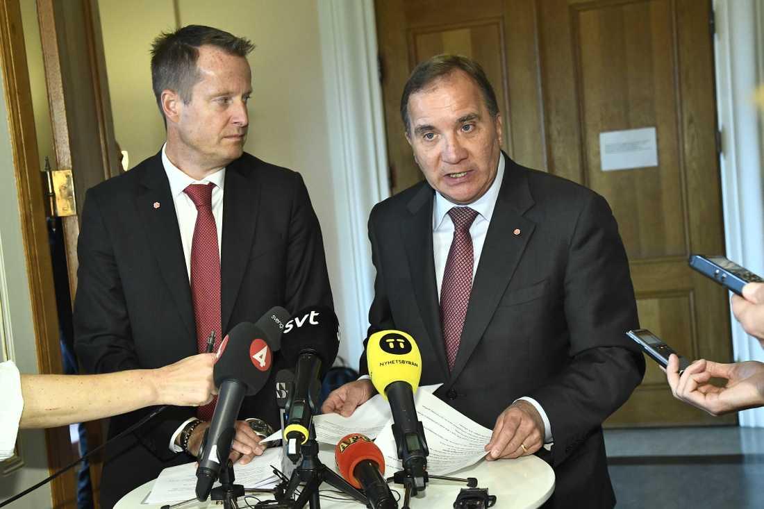 Anders Ygeman (S), Socialdemokraternas gruppledare i riksdagen, och statsminister Stefan Löfven (S), meddelar att S vill ha överläggningar med de borgerliga partierna om vem som ska bli ny talman.