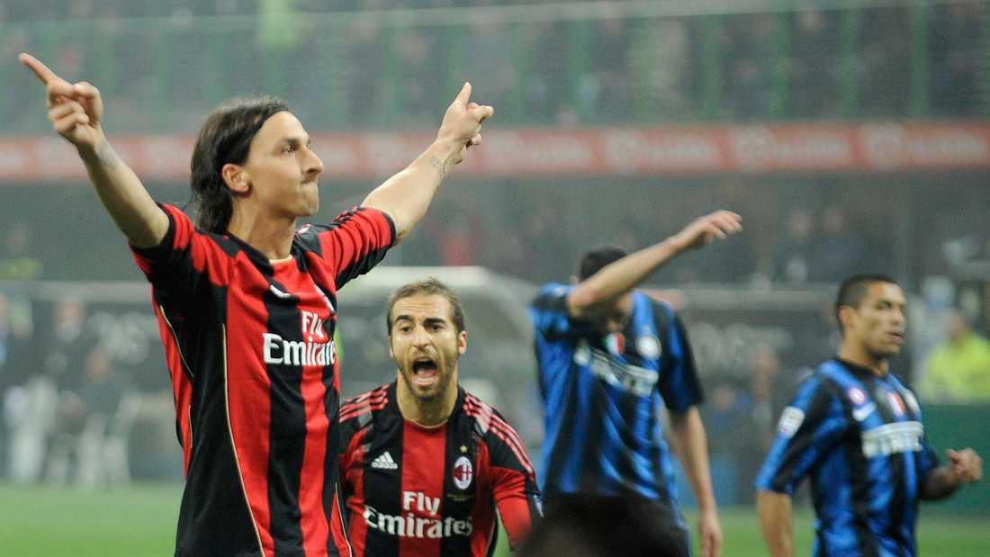 Zlatan sänkte på egen hand sitt gamla lag Inter i superderbyt den 14 november 2010. Enda målet kom på straff, som Zlatan låg bakom och sedan säkert placerade i nät.