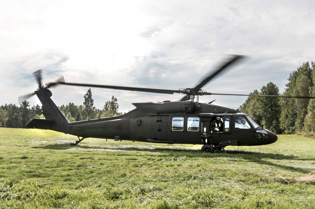 Försvarets Black Hawk 16-helikopter.