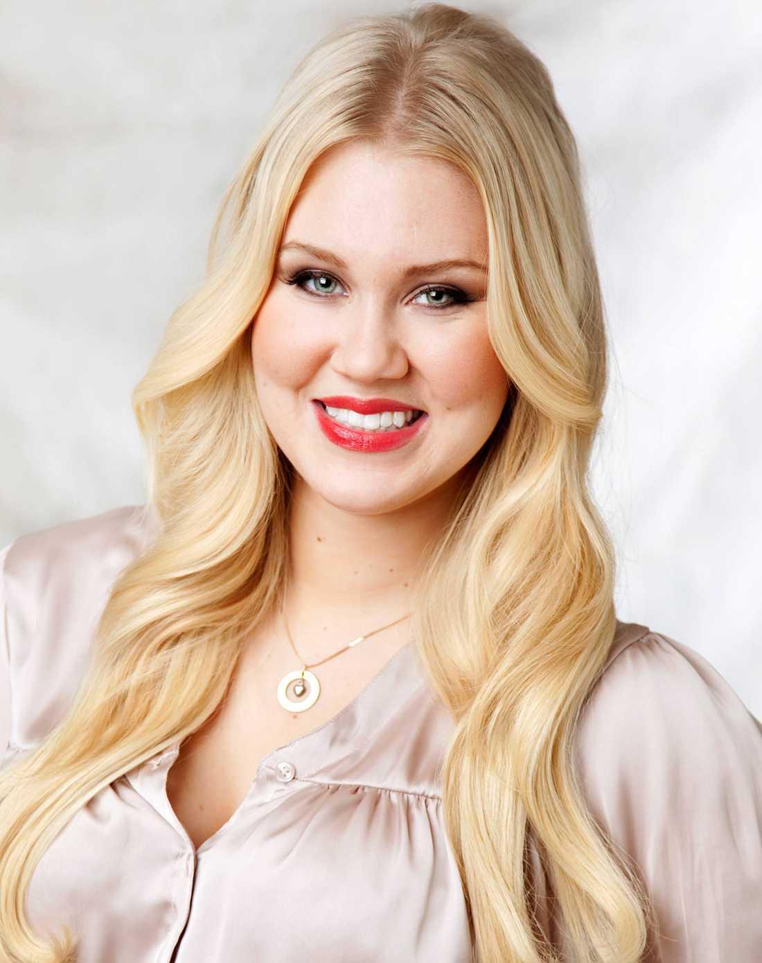 Blondinbella anmäld för att smyga in reklam på sin blogg.
