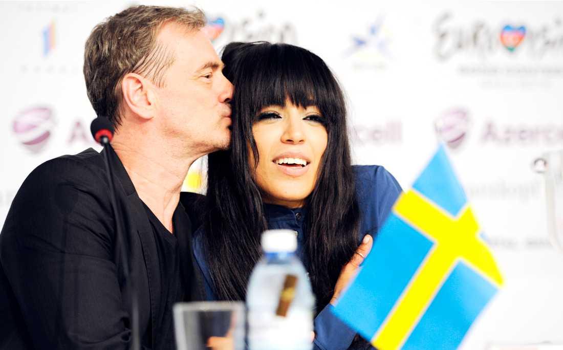 Christer Björkman tillsammans med Loreen på preskonferensen.