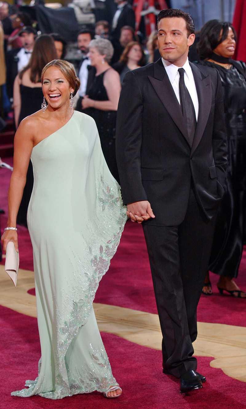 JENNIFER LOPEZ & BEN AFFLECKFrån Oscar till uppbrott: 10 månader.Det förlovade paret strålade ikapp på röda mattan under Oscarsgalan 2003. Men i september samma år ställde paret in sitt bröllop, bara dagar innan det skulle äga rum. Fyra månader senare bröt de upp för gott.