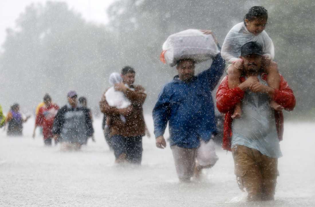 Klimatproblemet kommer att orsaka värre naturkatastrofer, visar den nya rapporten.