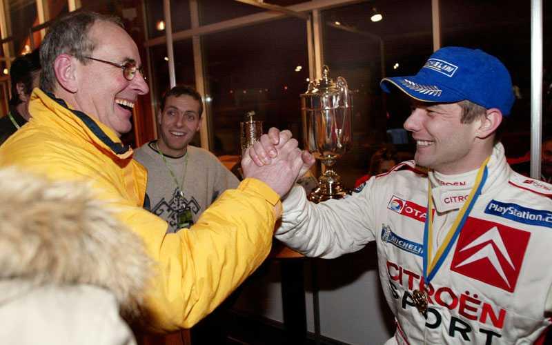STJÄRNMÖTE SEBASTIÉN LOEB (till höger), som här vunnit Svenska Rallyt 2004, mötte sin gamle rallylärare Anders Kulläng efter segern.