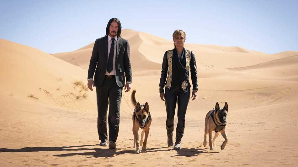 "Keanu Reeves och Halle Berry i ""John Wick chapter 3: Parabellum""."