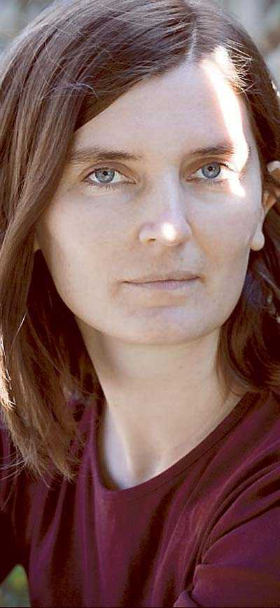 Katja Timgren är född 1981 och bor i Varberg.