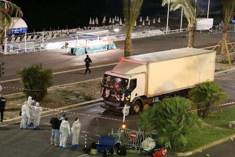 Lastbilen mejade ner hundratals personer i Nice. 84 personer dog.