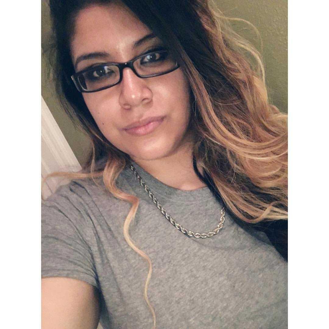 Mercedez Marisol Flores, 26, var född i New York och studerade. Var en glad tjej som hastigt bestämt sig för att gå ut med sina vänner. – Hon hade så många drömmar, berättar pappan för CNN.