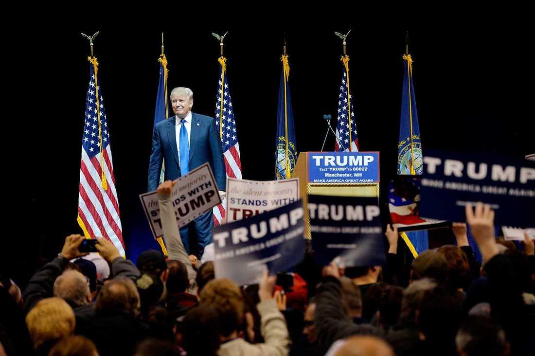 Trump har en helt klart högre rockstjärnestatus än de andra presidentkandidaterna.