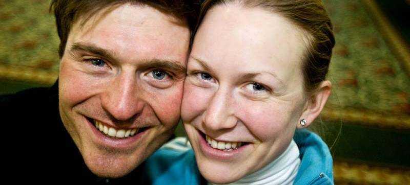SUPERPARET Helena Jonsson och David Ekholm har all anledning att se glada ut efter de inledande VM-loppen.