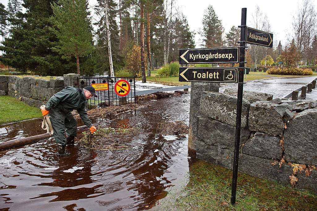 Bilden är från en tidigare översvämning i Byske norr om Skellefteå.