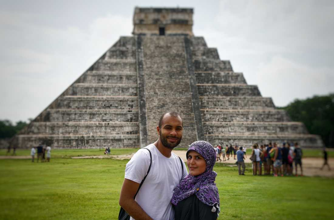 Tarek Ahmed, 30, och Hind Yakzan, 28, från Luleå befinner sig i Mexiko City på semester.