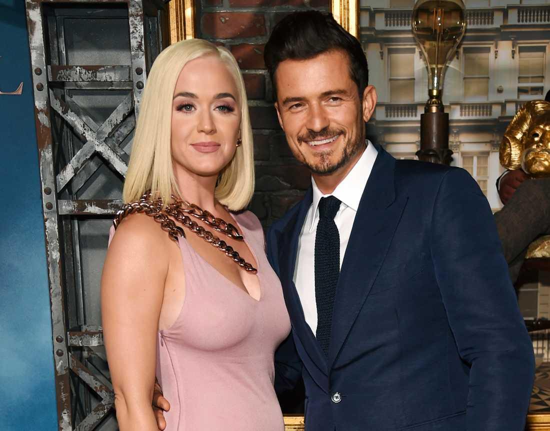 Katy Perry och Orlando Bloom väntar första barnet tillsammans.