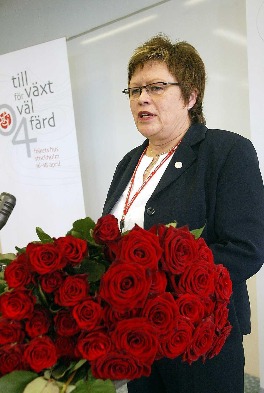Elvy Söderström, 58, kommunalråd i Örnsköldsvik, ordförande för S i Västernorrland: Veteran i VU som tillhör skogslänen. Lutar lite åt höger.