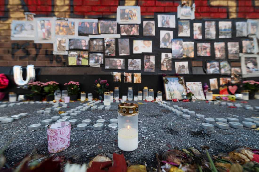Minnesplats i Fisksätra för den 18-åriga kvinna som sköts till döds i Råcksta i slutet av augusti.