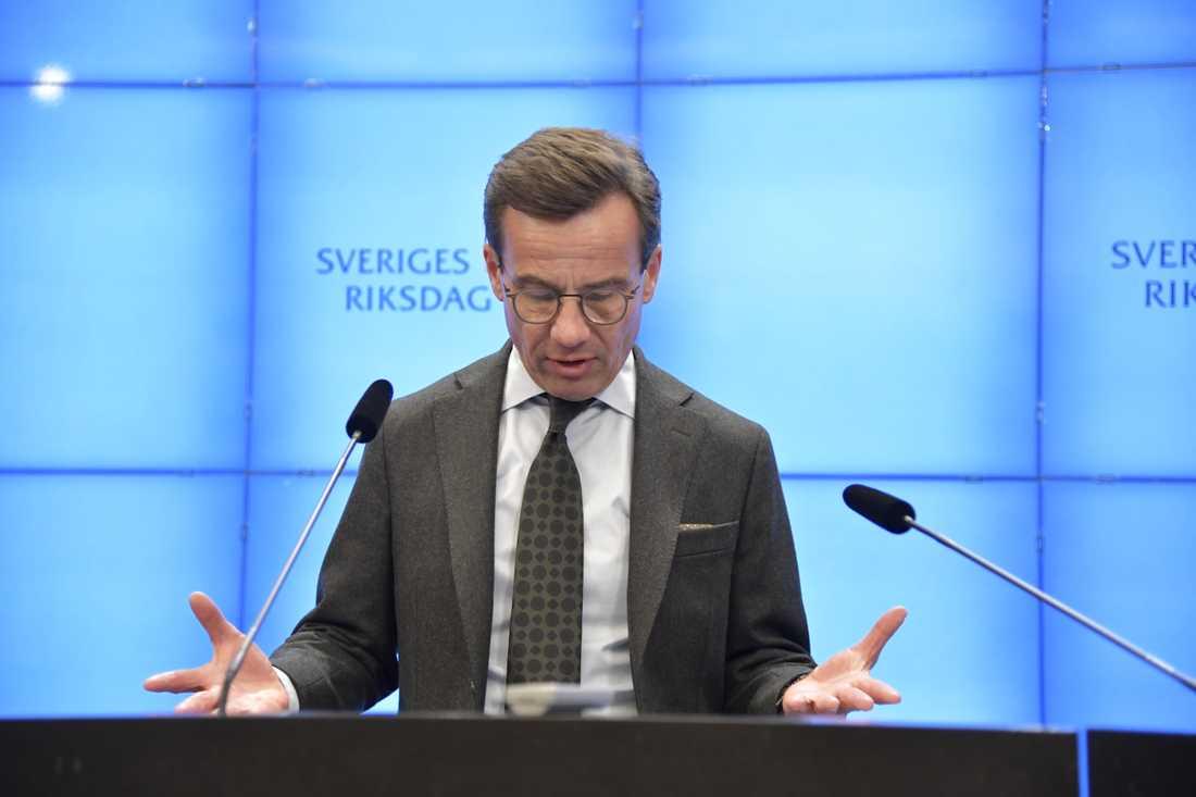 Moderatledaren Ulf Kristersson vid presskonferensen.