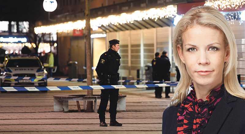 Landets huvudstad ska vara enstad med levande och trygga stadsdelar. Men i gängkriminalitetens och skjutningarnas skugga servihur otryggheten och trygghetsklyftorna växer, skriver Anna König Jerlmyr.