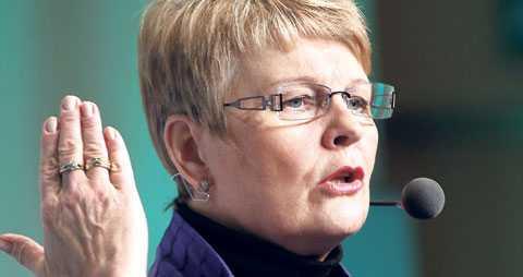 centern har svängt Maud Olofsson har ogiltigförklarat partiets decennielånga motstånd mot kärnkraften och öppnat för både uranprospektering och nya kärnreaktorer.