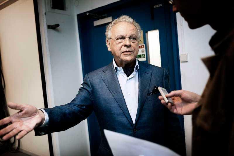 """Herman Linqvist är starkt kritisk mot Chris beslut att inte komma till Nobelfesten och flera hovexperter håller med. """"Det här hade varit en chans för Chris att visa alla vem Madeleine har fallit för"""", säger Johanna Lejon, hovreporter på Svensk Damtidning."""