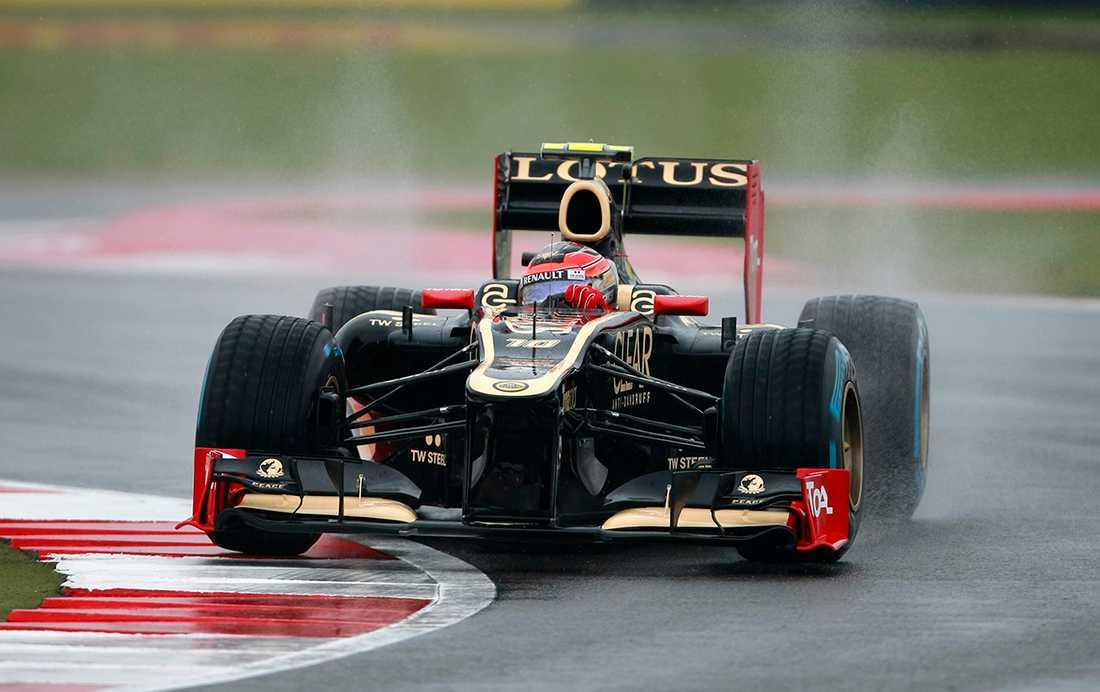Lotus-föraren Romain Grosjean kan få köra för Renualt nästa säsong.