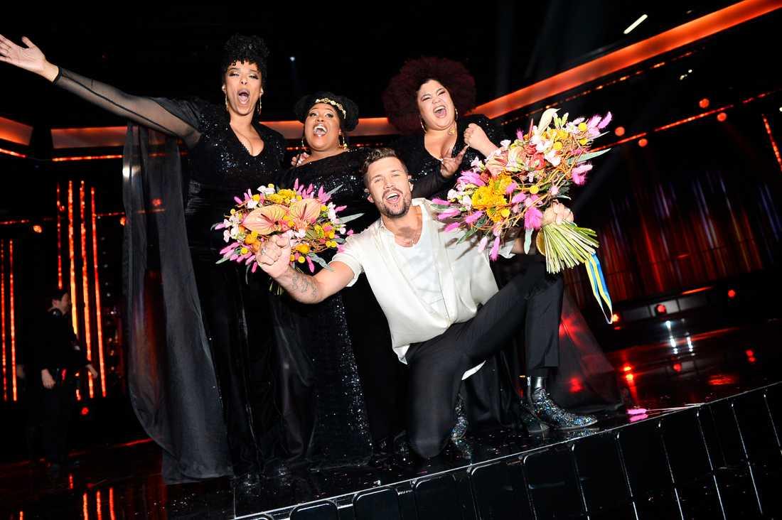 The Mamas och Robin Bengtsson gick vidare från Melodifestivalen första deltävlingen.