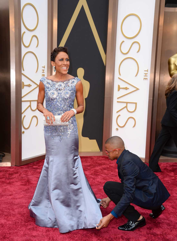 Robin Roberts fick hjälp med kjolen från Martin Katz.