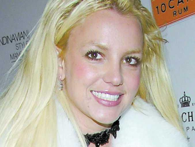 Rättegångarna kring Britney Spears avlöser varandra. I går beklagade sig stjärnans pappa att han är tvungen att ta hand om sin dotter som om hon var en tonåring.