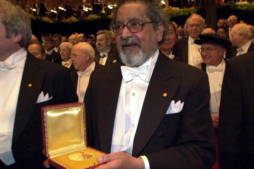 V S Naipaul avled i söndags, 85 år gammal. 2001 fick han nobelpriset i litteratur.