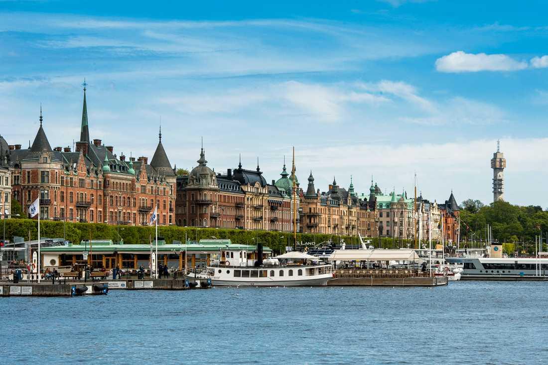Strandvägen i Stockholm är en av de dyraste adresserna att köpa bostadsrätt på, enligt en färsk sammanställning. Arkivbild.