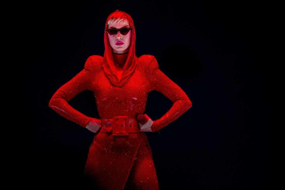 """Kommer turnera med Katy Perry: """"Hon är sjukt stor"""""""