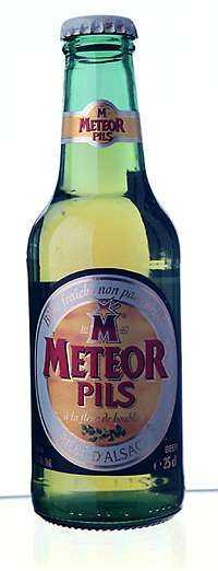 ++++ Meteor Pils Frankrike Styrka: 5,0 % Pris: 10:80 kr/25 cl Omödme: Maltig fruktig med beska stråk av melon.