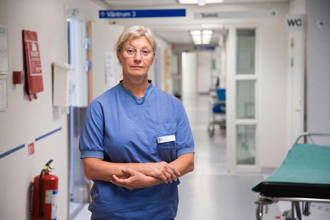 """""""Det som gör mig mest upprörd är när man lägger skulden på kvinnorna för att de läcker"""", säger överläkaren Eva Uustal, specialist i gynekolog och obstetrik vid Linköpings universitetssjukhus."""
