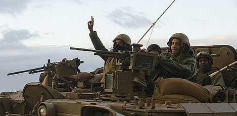 Israeliska soldater på väg tillbaka från Gaza.