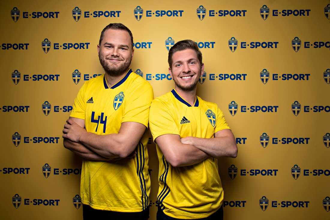"""""""DRIVKRAFT FÖR TUSENTALS UNGDOMAR"""". Förre världsmästaren Ivan Lapanje (t.h.) , blir spelande förbundskapten för Sveriges nya landslag i populära tv-spelet FIFA, som fortfarande söker spelare."""
